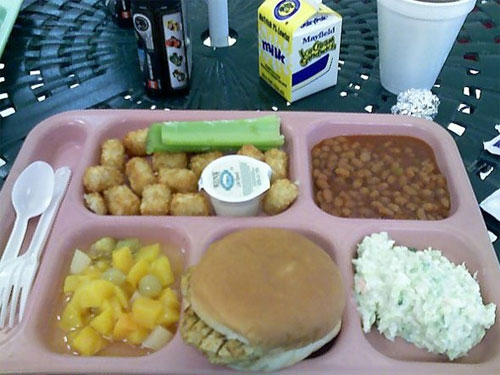 cafeteria food in college Last week, students at oberlin made national headlines for casting complaints  about bad dining-hall food––a perennial lament of.